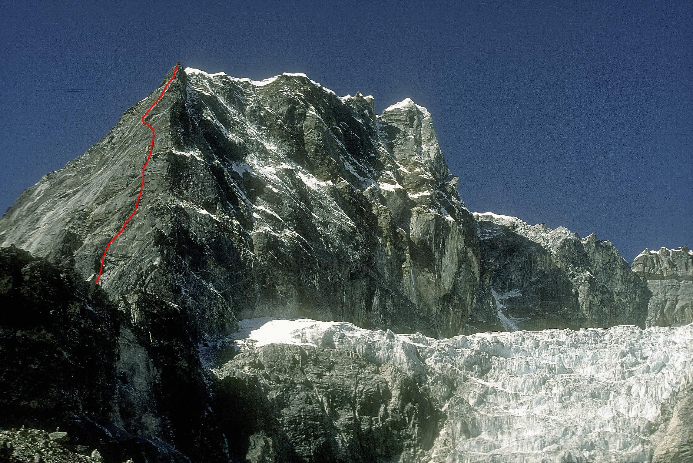 1995 –  Nepal                                     Iland Peack 6189 m. e Lobucke Peack Est 6119 m.